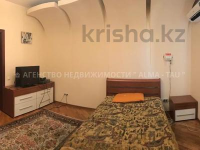 6-комнатная квартира, 370 м², 1/3 этаж, Самал 3 — Мендекулова за 240 млн 〒 в Алматы, Медеуский р-н — фото 4