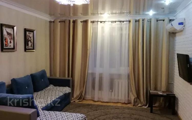 1-комнатная квартира, 39 м², 4/5 этаж посуточно, Бектурова — Торайгырова за 7 000 〒 в Павлодаре