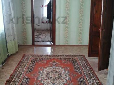 4-комнатный дом, 60.7 м², Каржаубайулы 223 за 8 млн 〒 в Семее — фото 3