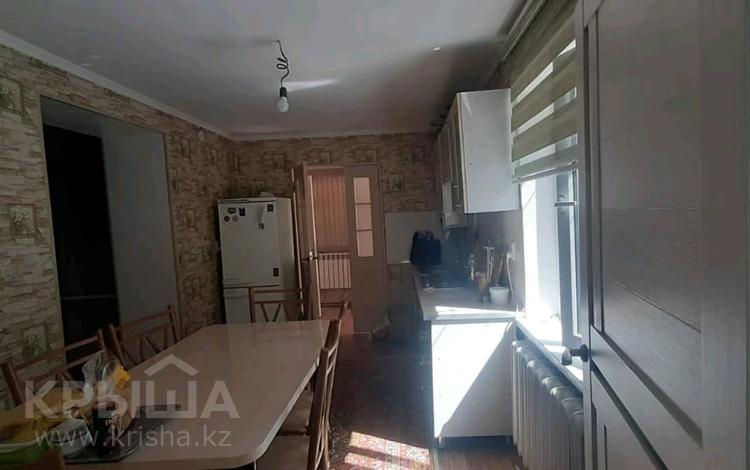 4-комнатный дом помесячно, 120 м², Акпан батыра 165 за 150 000 〒 в Шымкенте