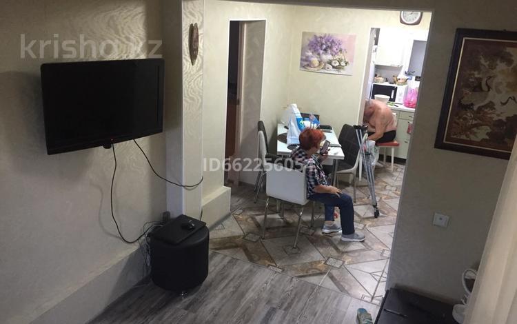 4-комнатный дом, 42 м², 1 сот., мкр Тастак-2 56 за 16 млн 〒 в Алматы, Алмалинский р-н