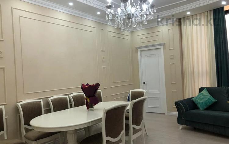 3-комнатная квартира, 130 м², 13/18 этаж, Ханов Керея и Жанибека за 52.5 млн 〒 в Нур-Султане (Астана), Есиль р-н
