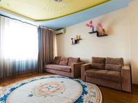 2-комнатная квартира, 70 м², 16/22 этаж посуточно, Сарайшык 5 — Акмешит за 10 000 〒 в Нур-Султане (Астана), Есиль р-н
