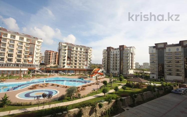 2-комнатная квартира, 76 м² на длительный срок, Аланья за 366 273 〒