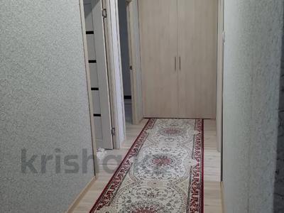 3-комнатная квартира, 70 м², 3/5 этаж, 15-й мкр 52 за 19 млн 〒 в Актау, 15-й мкр — фото 3