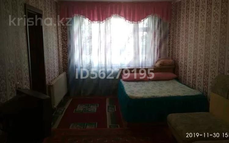 3-комнатная квартира, 73 м², 6/6 этаж, Ленина 51 за 5.5 млн 〒 в Аксу