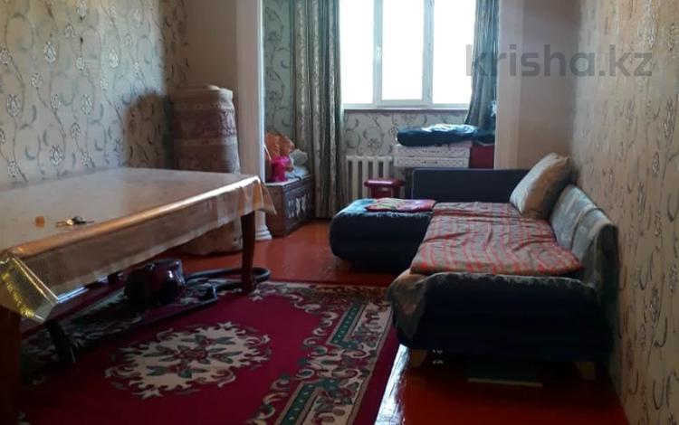 3-комнатная квартира, 66 м², 4/5 этаж, 8-й мкр за 15.5 млн 〒 в Шымкенте, Абайский р-н
