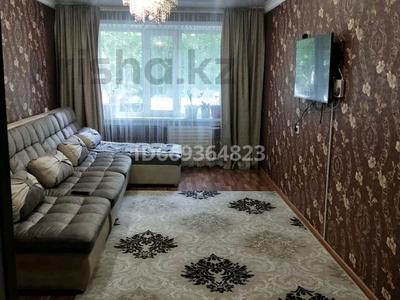 3-комнатная квартира, 69 м², 1/5 этаж, улица Астана 30 за 12 млн 〒 в Аксу