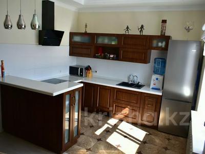 3-комнатная квартира, 94 м², 3/5 этаж, Кривогуза 94/3 за 38 млн 〒 в Караганде, Казыбек би р-н — фото 5