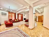 8-комнатный дом помесячно, 628 м², 10 сот.