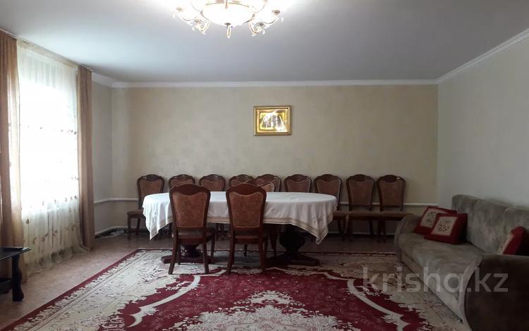 5-комнатный дом, 145 м², 8.1 сот., Озерная — Макатаева за ~ 18.9 млн 〒 в Актобе, Новый город