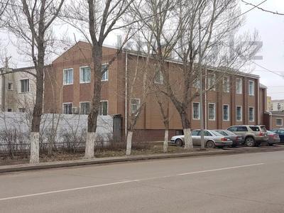 Здание, площадью 1100 м², Ерубаева 67а — Ермекова за 450 млн 〒 в Караганде, Казыбек би р-н — фото 3