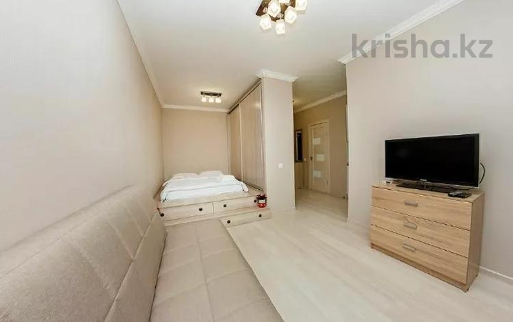 1-комнатная квартира, 48 м², 4/9 этаж посуточно, Кабанбай батыра 46/1 — Керей жанибек хандар за 8 000 〒 в Нур-Султане (Астана), Есиль р-н