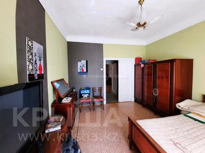 3-комнатная квартира, 70 м², 2/3 этаж, Масанчи 79 б — Абая за 28.5 млн 〒 в Алматы, Бостандыкский р-н — фото 10