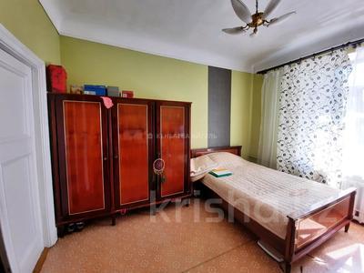 3-комнатная квартира, 70 м², 2/3 этаж, Масанчи 79 б — Абая за 28.5 млн 〒 в Алматы, Бостандыкский р-н — фото 11