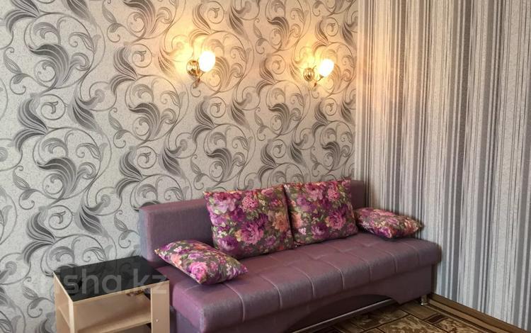 1-комнатная квартира, 28 м², 3/5 этаж посуточно, Естая 56 — Бектурова за 6 000 〒 в Павлодаре