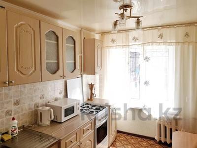 2-комнатная квартира, 65 м², 2/9 этаж посуточно, проспект Нурсултана Назарбаева 187 — Сарайшык за 10 000 〒 в Уральске