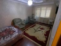 1-комнатная квартира, 50 м², 2/5 этаж посуточно, мкр Центральный, проспект Азаттык 46А за 7 000 〒 в Атырау, мкр Центральный