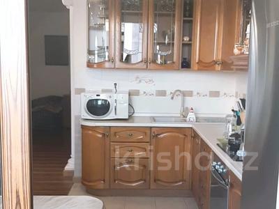 4-комнатная квартира, 150 м², 6/16 этаж, Ходжанова за 75.5 млн 〒 в Алматы, Бостандыкский р-н — фото 4