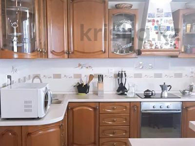 4-комнатная квартира, 150 м², 6/16 этаж, Ходжанова за 75.5 млн 〒 в Алматы, Бостандыкский р-н — фото 5