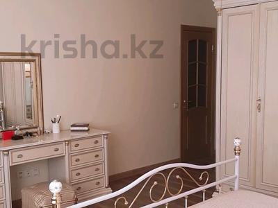 4-комнатная квартира, 150 м², 6/16 этаж, Ходжанова за 75.5 млн 〒 в Алматы, Бостандыкский р-н — фото 8