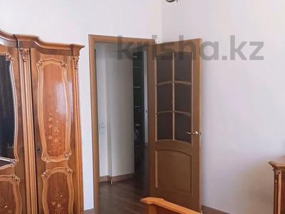 4-комнатная квартира, 150 м², 6/16 этаж, Ходжанова за 75.5 млн 〒 в Алматы, Бостандыкский р-н — фото 11