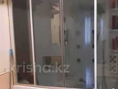 4-комнатная квартира, 150 м², 6/16 этаж, Ходжанова за 75.5 млн 〒 в Алматы, Бостандыкский р-н — фото 13