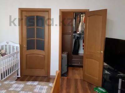 4-комнатная квартира, 150 м², 6/16 этаж, Ходжанова за 75.5 млн 〒 в Алматы, Бостандыкский р-н — фото 14
