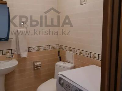 4-комнатная квартира, 150 м², 6/16 этаж, Ходжанова за 75.5 млн 〒 в Алматы, Бостандыкский р-н — фото 18
