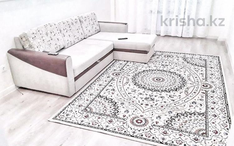 1-комнатная квартира, 40 м², 5/14 этаж помесячно, 38 улица 22-27 за 110 000 〒 в Нур-Султане (Астана), Есиль р-н