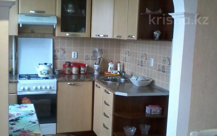 2-комнатная квартира, 50 м², 2/5 этаж посуточно, Курмангазы за 8 000 〒 в Уральске