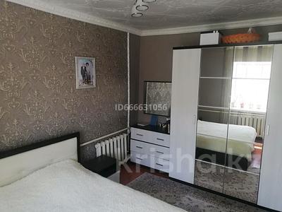 5-комнатный дом, 62 м², 6 сот., 3 элеваторная 8 — Почтовая за 20 млн 〒 в Таразе