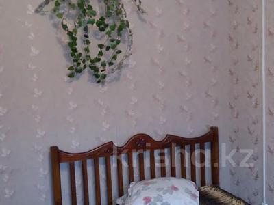 1-комнатная квартира, 35 м² посуточно, Курмангазы 163 — Евразия за 5 000 〒 в Уральске — фото 2