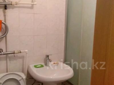 2-комнатная квартира, 45 м², 2/5 этаж, 21 14 за 5 млн 〒 в Караганде, Октябрьский р-н