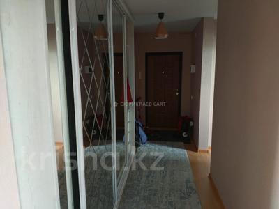2-комнатная квартира, 58.4 м², 9/12 этаж, мкр Акбулак, Мкр Акбулак 123 — 3-я линия за 25 млн 〒 в Алматы, Алатауский р-н — фото 9