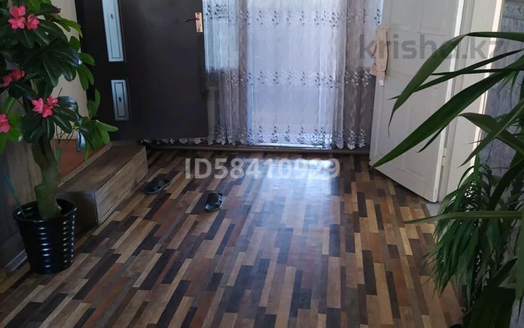3-комнатный дом, 62 м², 4 сот., мкр Достык, Акбакай 52 — Шарипова за 24 млн 〒 в Алматы, Ауэзовский р-н