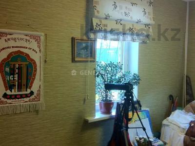 4-комнатный дом помесячно, 150 м², мкр Мирас за 280 000 〒 в Алматы, Бостандыкский р-н — фото 5