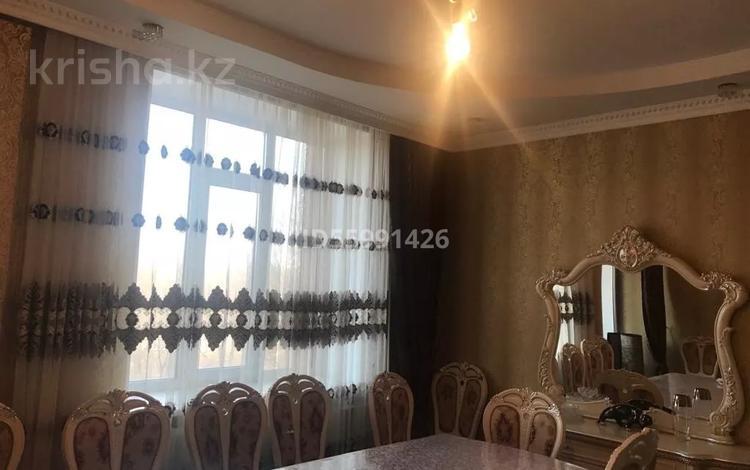 3-комнатная квартира, 76.2 м², 2/3 этаж, Алтын-Арка 17 за 28 млн 〒 в Караганде, Казыбек би р-н
