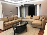 5-комнатная квартира, 250 м², 6 этаж помесячно