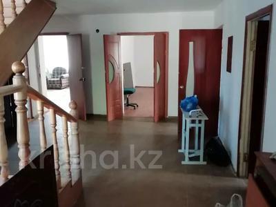 8-комнатный дом помесячно, 420 м², 10 сот., Хантау за 350 000 〒 в Нур-Султане (Астана), Алматы р-н