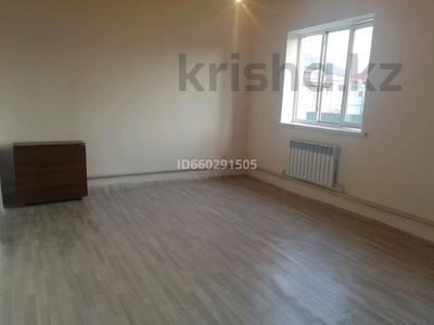 4-комнатный дом помесячно, 79 м², 6 сот., Посёлок Райымбек за 100 000 〒 в Алматы — фото 9