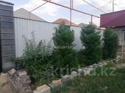 4-комнатный дом помесячно, 79 м², 6 сот., Посёлок Райымбек за 100 000 〒 в Алматы — фото 3