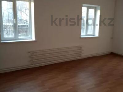 10-комнатный дом, 290 м², 4 сот., Тауельсыздык 42 за 33 млн 〒 в Кыргауылдах — фото 7