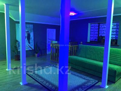 6-комнатный дом помесячно, 250 м², 6 сот., мкр Ремизовка, Мкр Ремизовка за 400 000 〒 в Алматы, Бостандыкский р-н — фото 13
