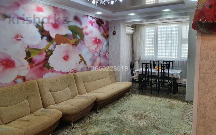 4-комнатная квартира, 92.3 м², 1/5 этаж, 26-й мкр 28 за 20.5 млн 〒 в Актау, 26-й мкр