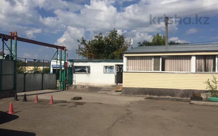 Промбаза 0.75 га, Муканова за 900 млн 〒 в Караганде, Казыбек би р-н