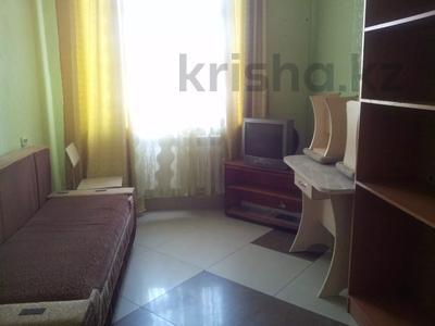 1 комната, 30 м², Крамского 29 — Ермекова за 33 000 〒 в Караганде, Казыбек би р-н
