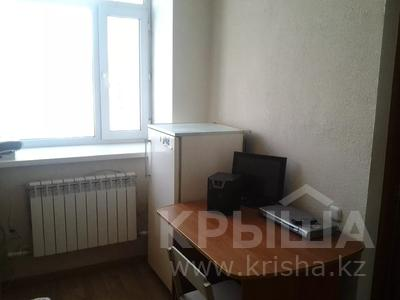 1 комната, 30 м², Крамского 29 — Ермекова за 33 000 〒 в Караганде, Казыбек би р-н — фото 4