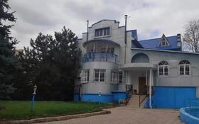 8-комнатный дом помесячно, 340 м², 5 сот., мкр Таугуль, Жазылбека за 550 000 〒 в Алматы, Ауэзовский р-н