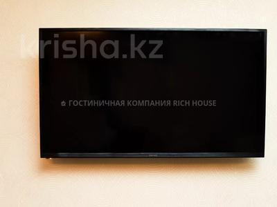 1-комнатная квартира, 35 м², 4/5 этаж посуточно, Ермекова 35 за 10 995 〒 в Караганде, Казыбек би р-н — фото 5